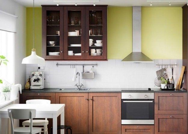 Idee per arredare una cucina classica - Cappa a parete | Design ...
