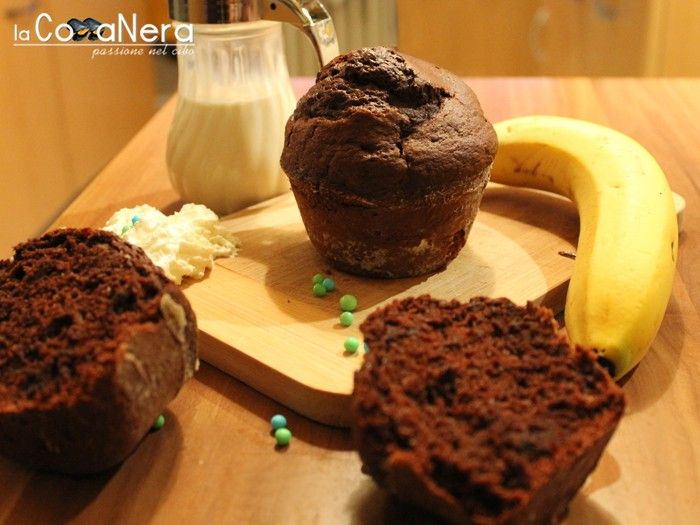 Muffin Dark Cioco-Banana - Ricette cucina - Ricette online di Lacozzanera