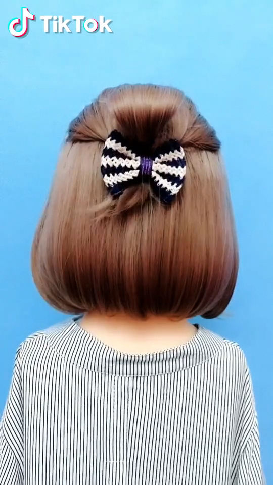 Super Easy To Try A New Hairstyle Download Tiktok Today To Find More Amazing Videos Also You Can Post Videos Short Hair Styles Pinterest Hair Hair Styles