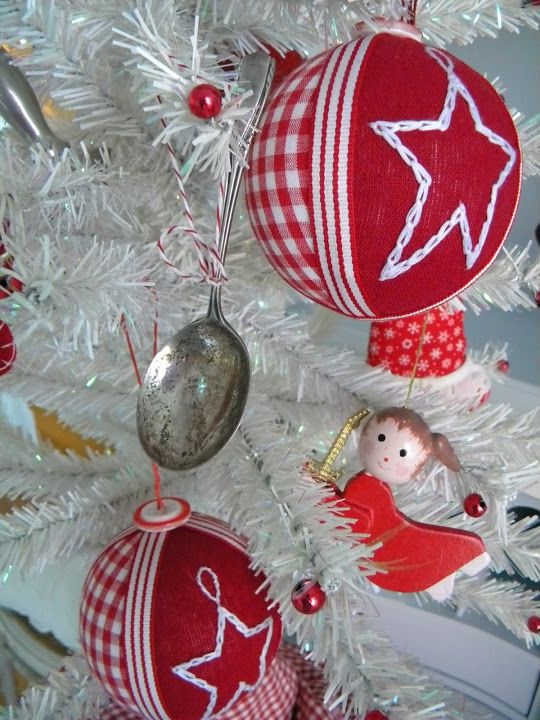 Top 20 of The Most Magnificent DIY Christmas Decoration Ideas   Daily source for inspiration and fresh ideas on Architecture, Art and Design