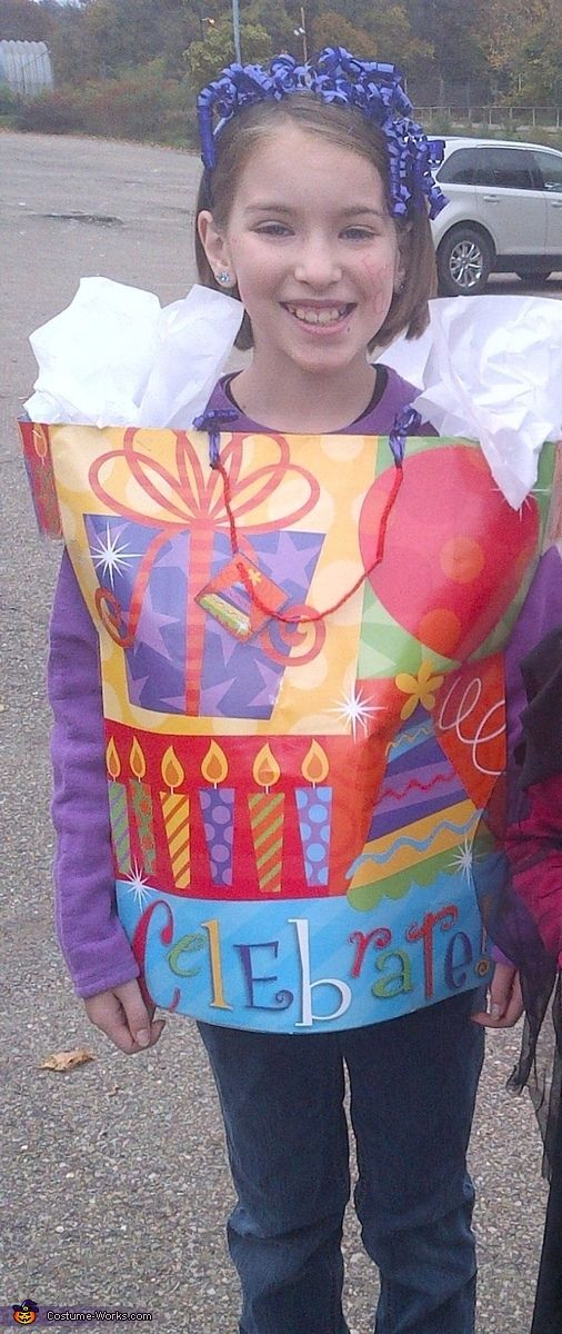 Gift Bag Halloween Costume Contest at