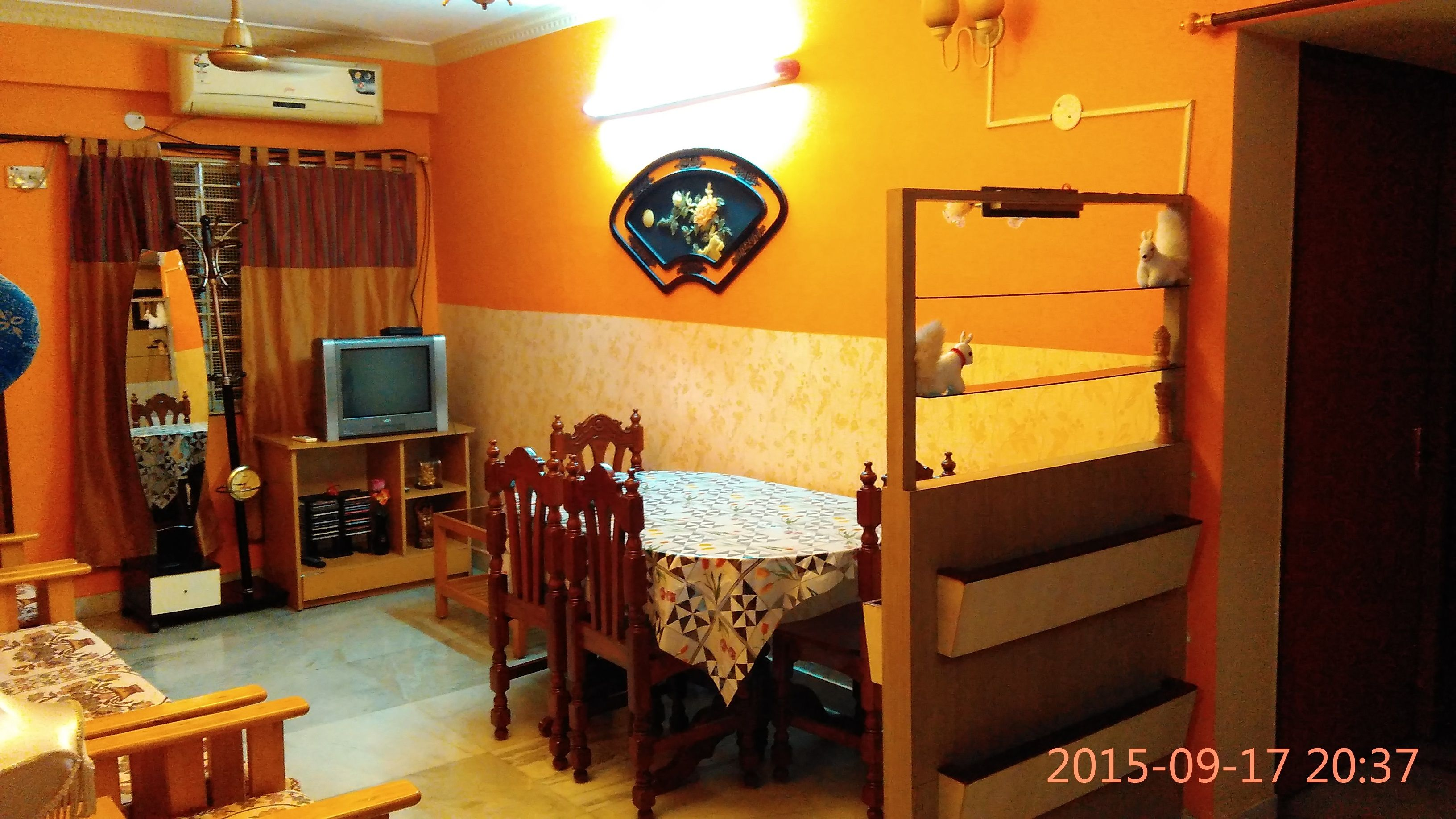 https://www.olx.in/item/lowest-price-1411-sqft-2-bhk-flat-for-sale-incl-party-terrace-ac-ID1biVaB.html