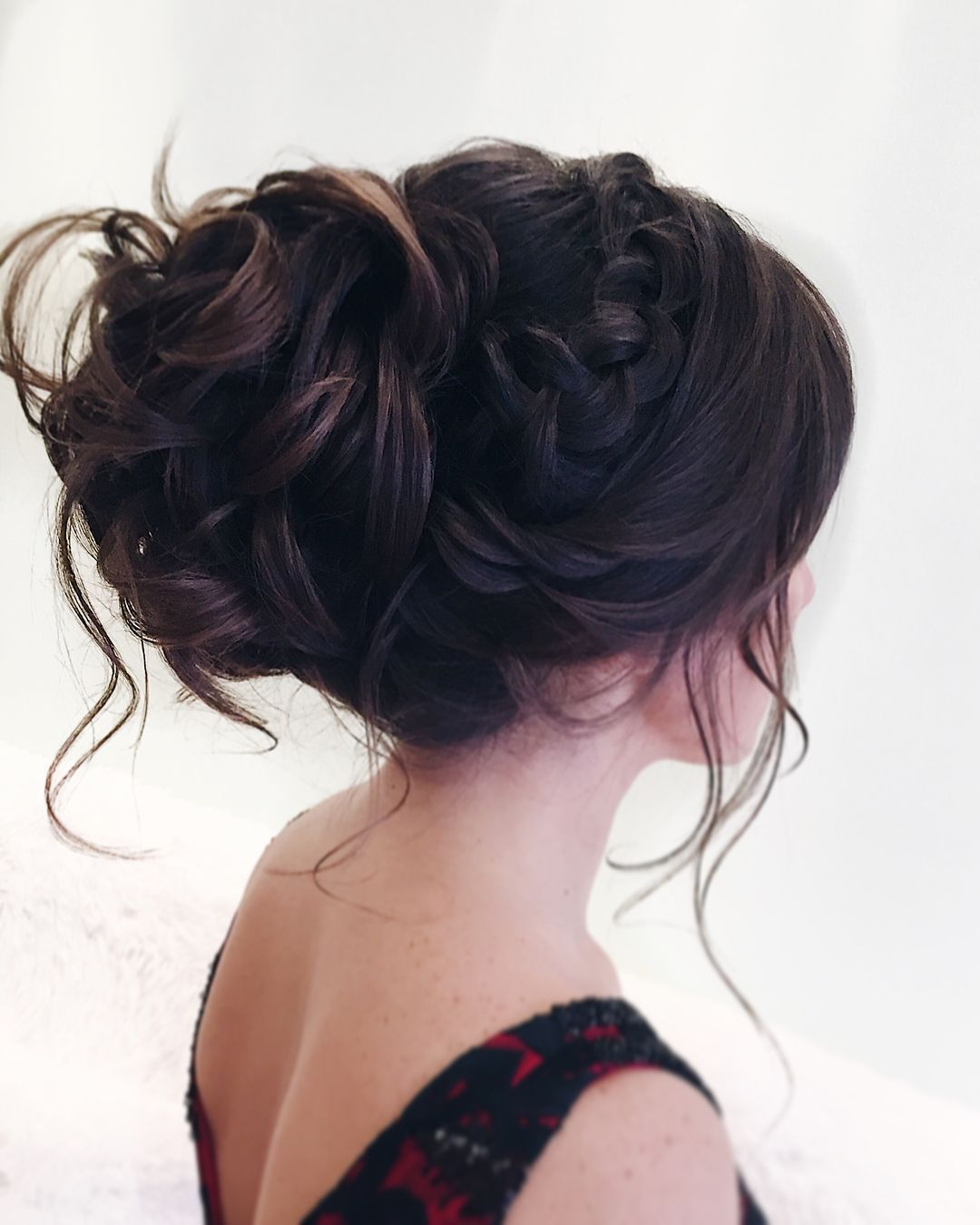 Messy updo hairstyle swept back bridal hairstyle updo hairstyles
