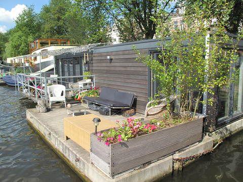 hausboothotel in amsterdam reiseplanung hausboot. Black Bedroom Furniture Sets. Home Design Ideas