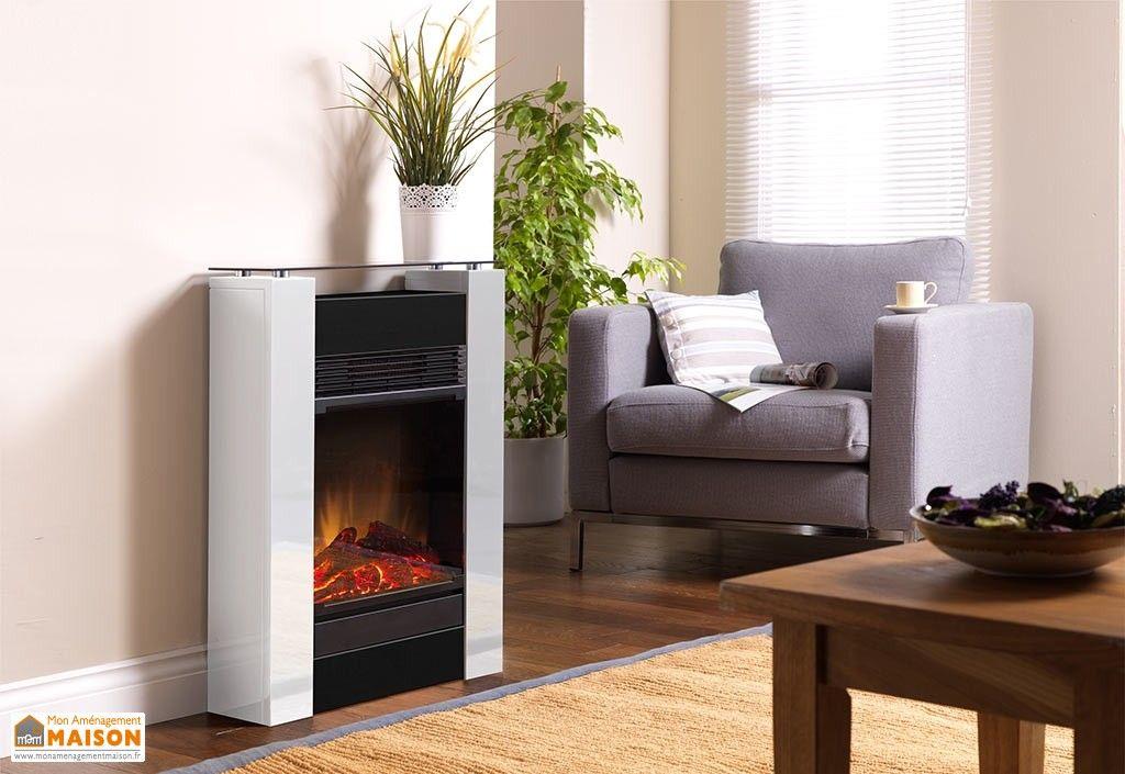 cheminée décorative blanche avec foyer électrique et chauffage 1500