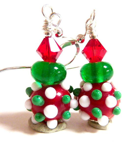 2 Handmade Green 3//4 inch Glass Christmas Tree Lamwork Beads with Red Ornaments