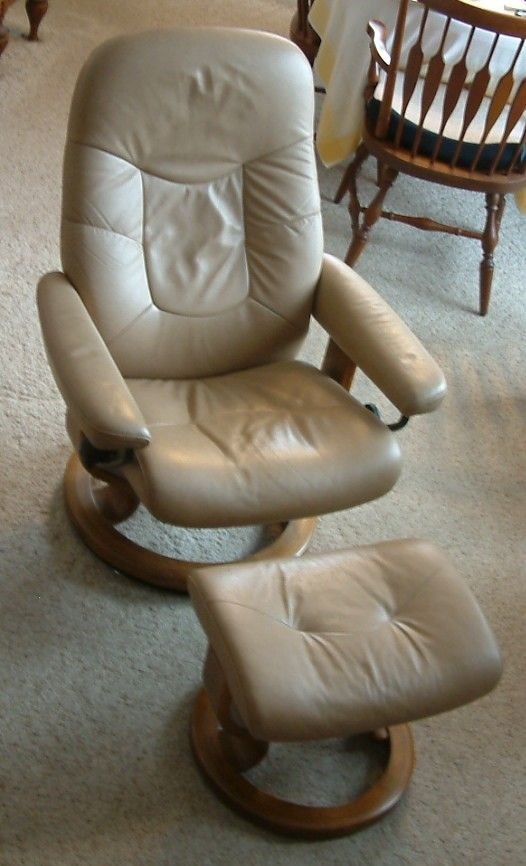 Leather Ekornes Stressless Recliner Chair And Ottoman Good Condition Used Tan Material Medium Light Color Wood Made In Norway Size Small Seat