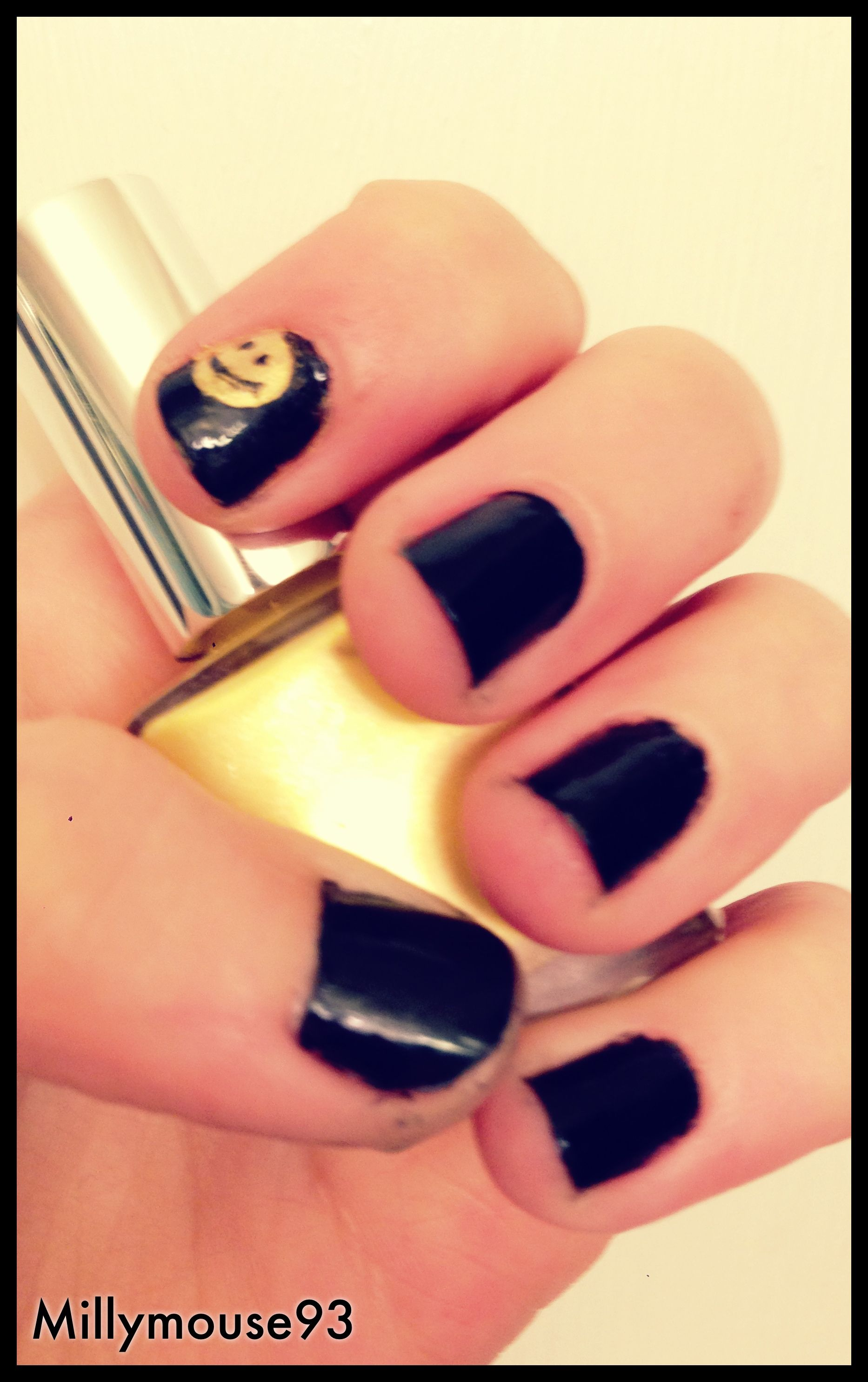 Be Happy Happy Smile Yellow Black Black And Yellow Nails Nail Art Nail Design Nail Nail Polish Nail Stamping Konad Nail Polish Nails Nail Stamping While many smiley face manicures are brightly colored, you can create just as cheery a nail look using more muted tones. nails nail stamping
