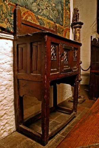 Bunratty Castle Medieval Collection: A three tiered Oak ...