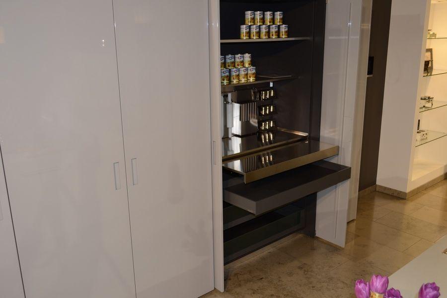 Ausziehbare Arbeitsplatte aus Edelstahl | Moderne Küche: Beton und ... | {Edelstahl küchenarbeitsplatte 19}