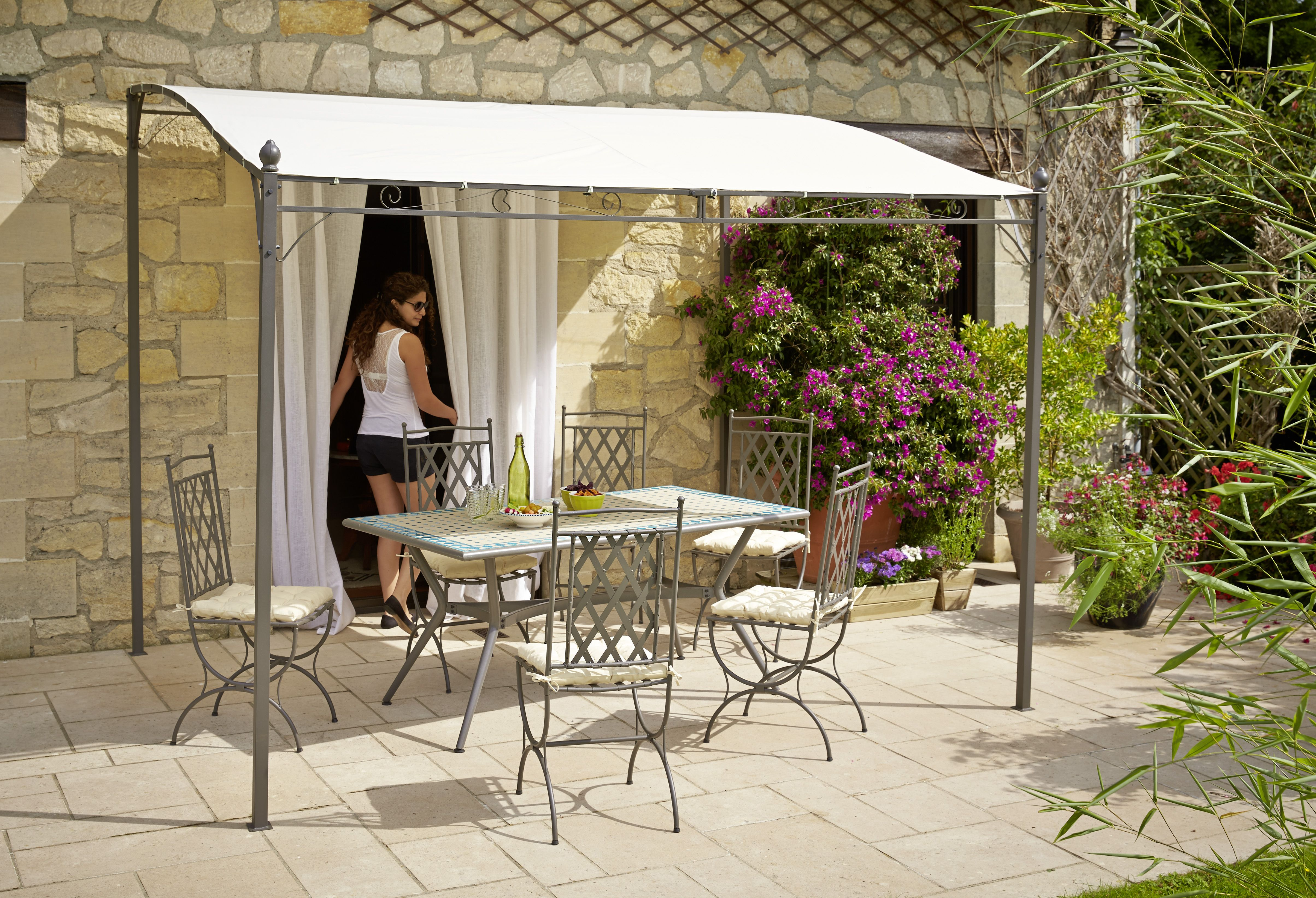 la pergola murale azohia d 39 une dimension de 3x2 50x1 90. Black Bedroom Furniture Sets. Home Design Ideas