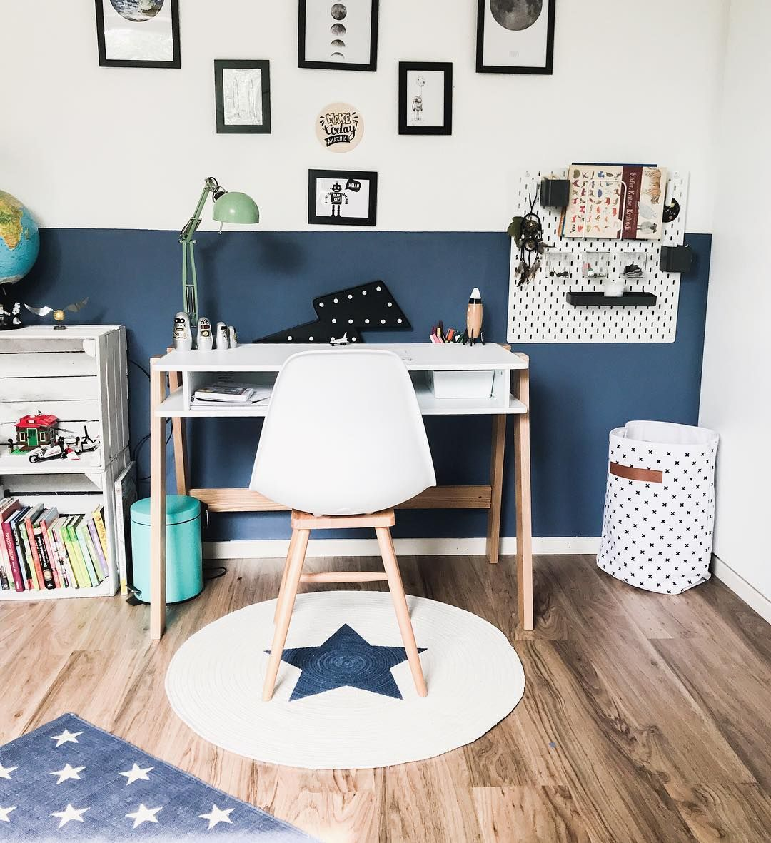 Kinderzimmer Jungen 8 Jahre Schreibtisch Stuhl