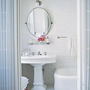 Elle Decor Bathrooms Vintage Glass Shelf Glass Shelf Over Sink Glass Shelf Above Sink Pedestal Sink Chic Bathrooms Traditional Bathroom Bathroom Design