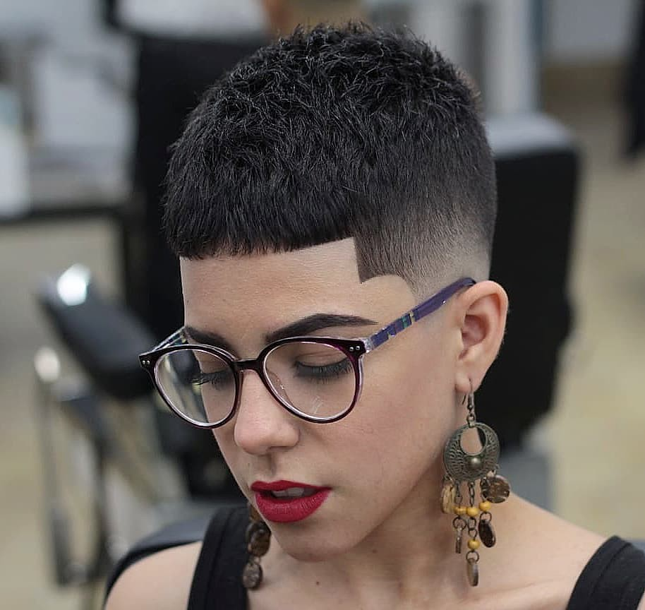 barberobengie in 2020 | Girls with glasses, Taper fade, Faded