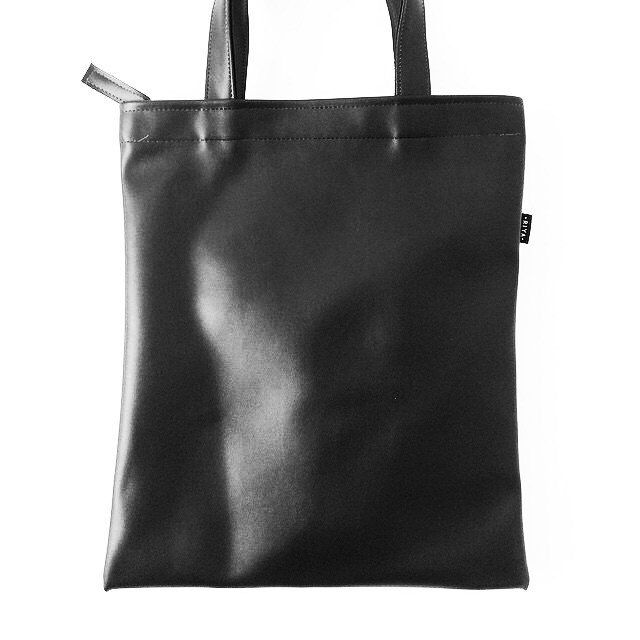 4addf9e328 Black Tote Bag Faux Leather Tote Shoulder School Bag Beach Handbag by  pingypearshop on Etsy https