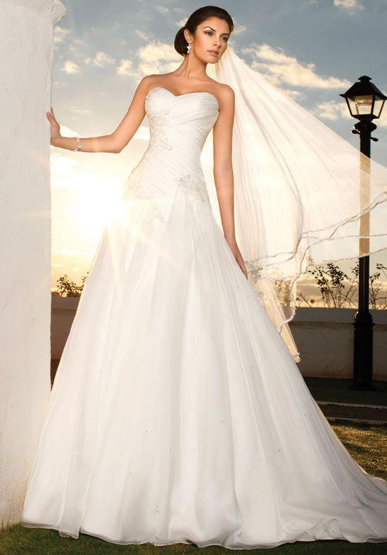 Photo via | Wedding dress and Weddings