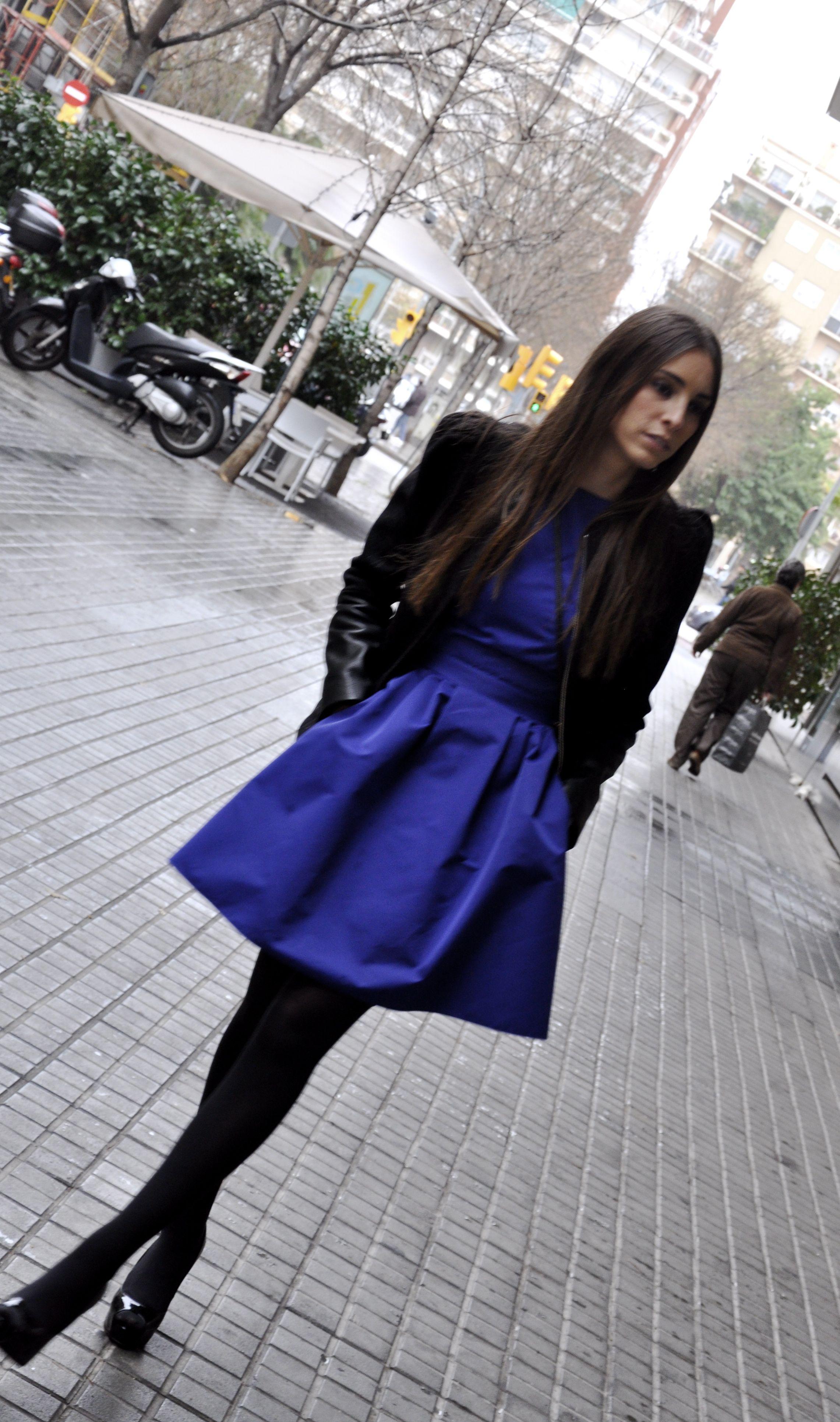 Outfit vestido azul invierno