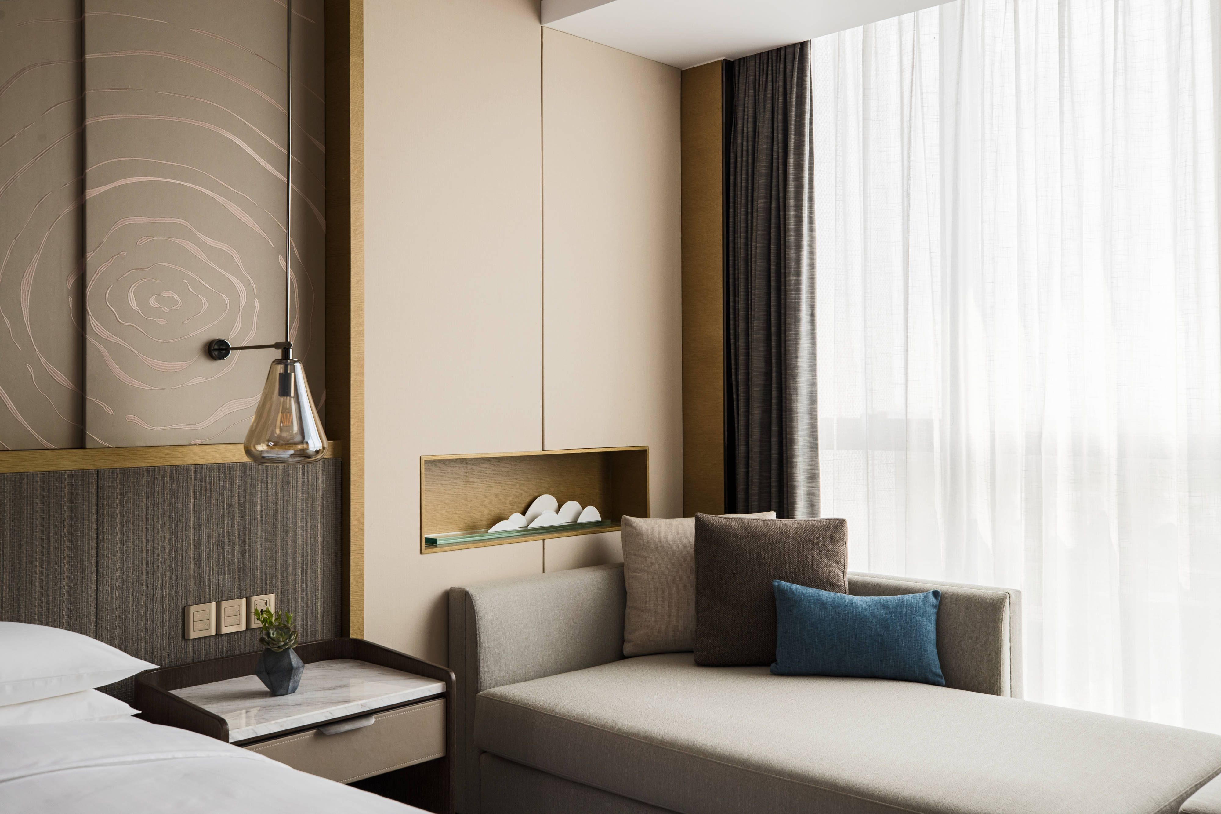 Suzhou Marriott Hotel Taihu Lake Double Double Guest Room Suite Travel Hotels Modern Bedroom Interior Hotel Interior Design Marriott Hotels Rooms