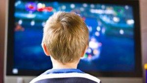 Crianças que veem muita televisão correm mais risco de bullying | ComRegras