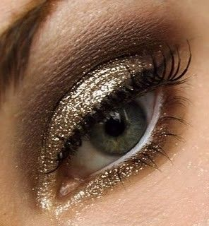 who doesn't love gold sparkles?