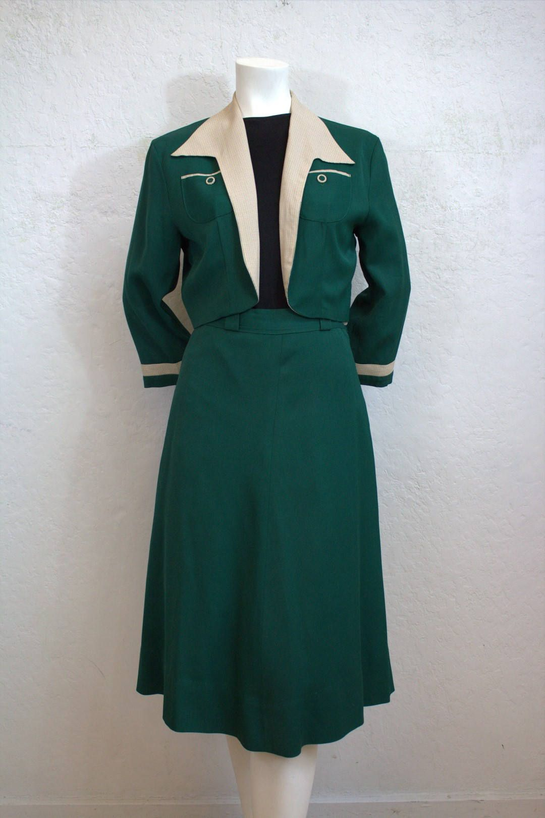 1940 S Women S Dark Green Two Piece Gabardine Suit With Hounds Tooth