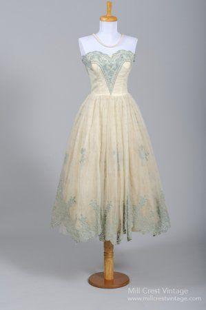 1950's Cotillion Tea Length Vintage Wedding/Party Dress