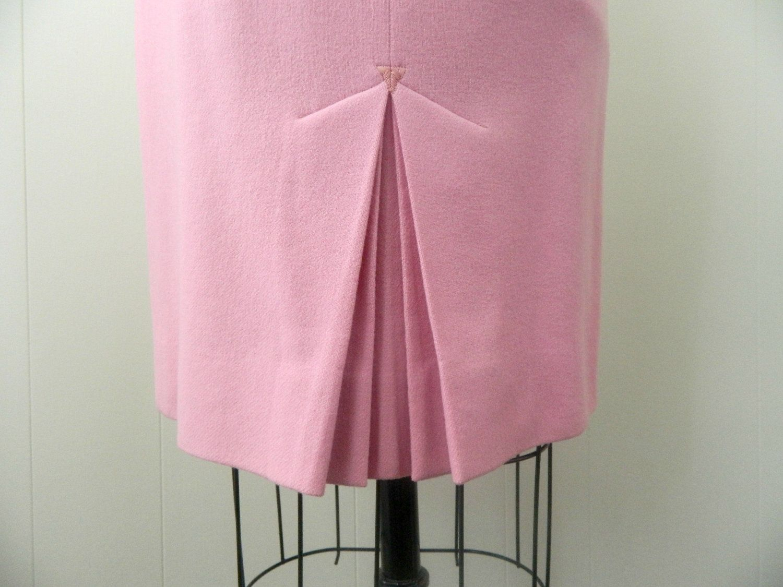 d6d6bcedad Pink Pencil Skirt, Pencil Skirts, 1950s Fashion Women, Retro Fashion, Slit  Skirt