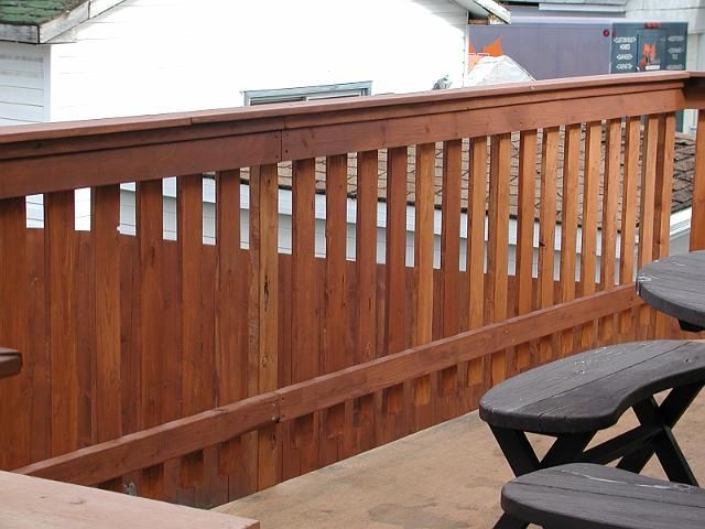 flat slat railing Deck railing design, Wood deck railing