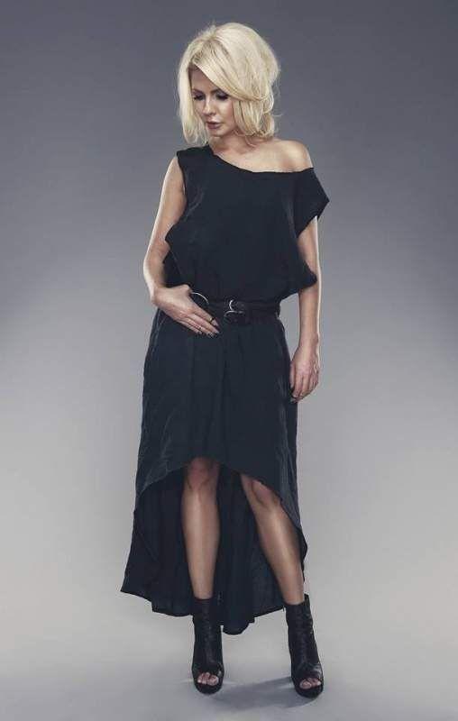 Classic in unique edition @Agi Jensen #womenswear #womensfashion #fashion #fashiondesigners #black #asymetricalskirts