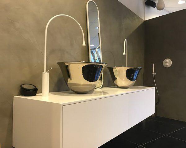 Showroom model wilt u een unieke blikvanger in de badkamer dan
