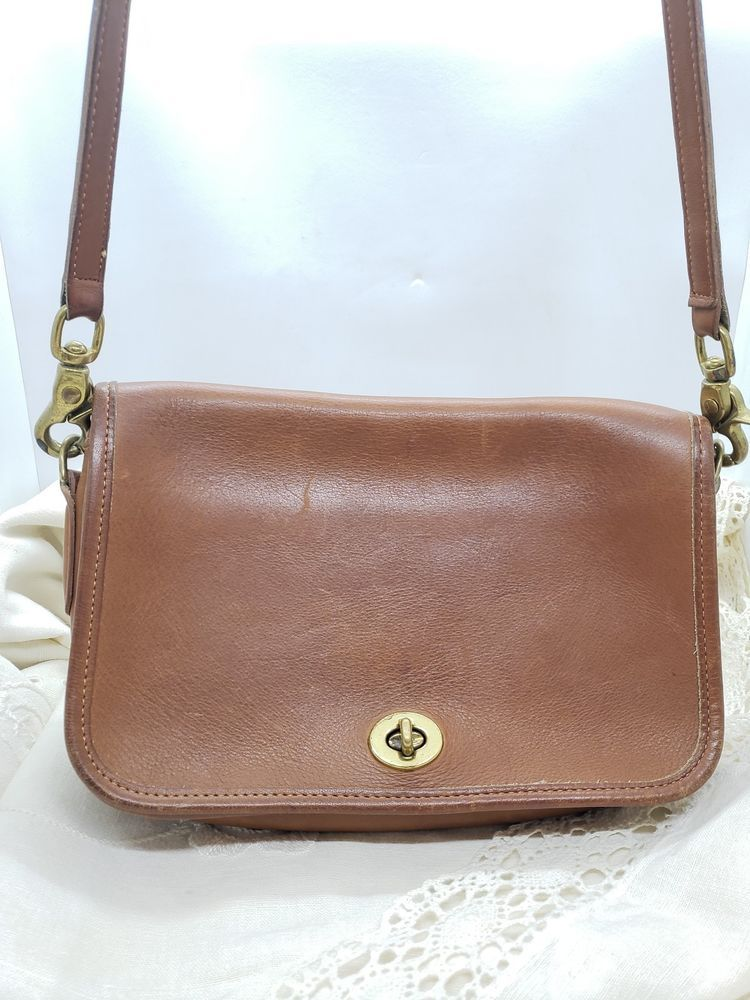 e541b8d4fb25f ... order vtg coach classic brown leather crossbody shoulder bag usa made  brass nr coach shoulderbag cb56d