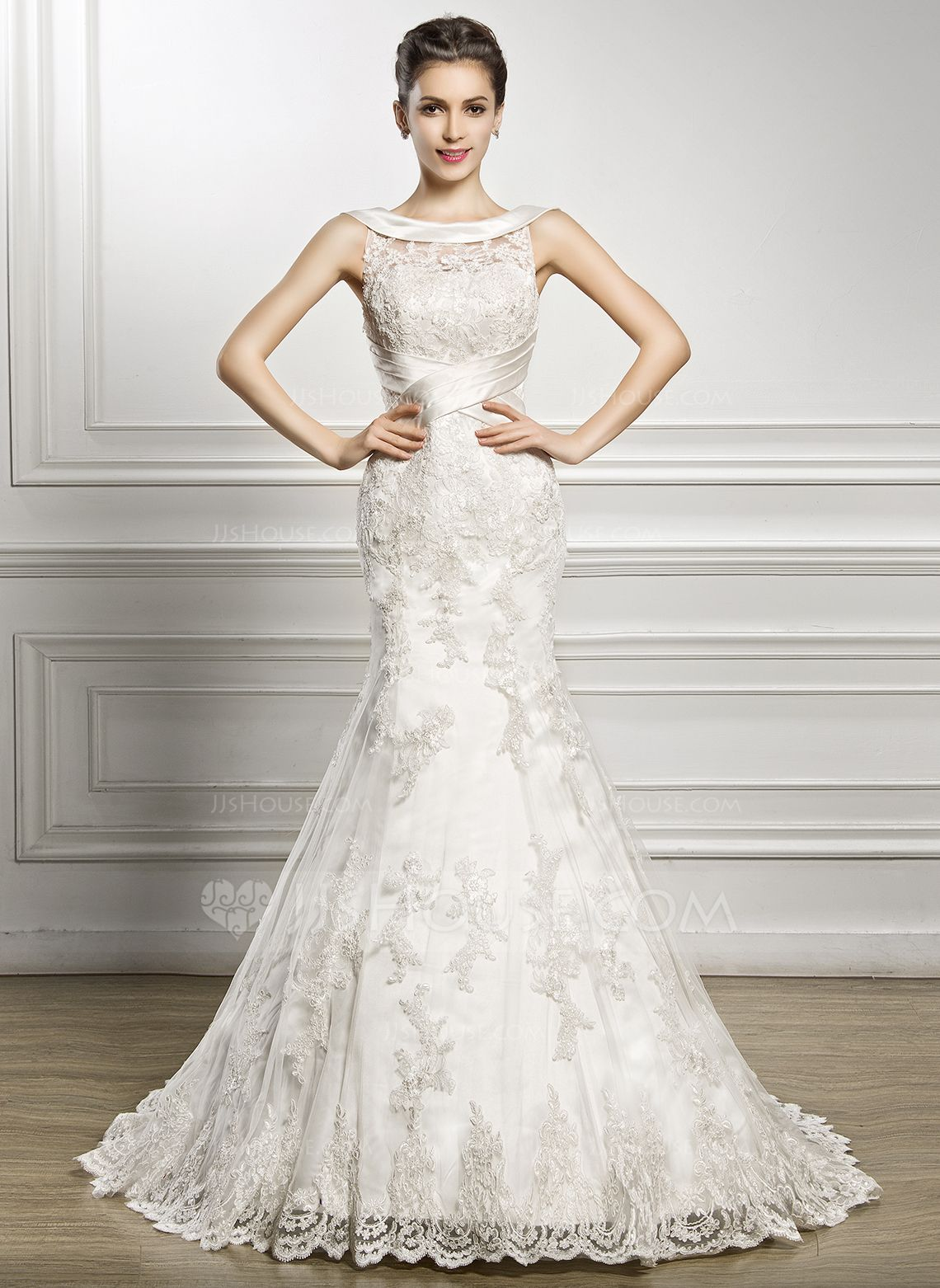de1a0d028bab Trumpet/Mermaid Scoop Neck Court Train Lace Wedding Dress With Ruffle  (002056967) - JJsHouse
