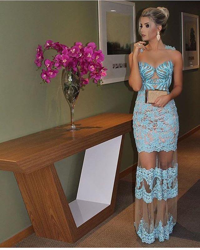 Perfeito para madrinhas e formandas! 💙 . . . . . . #fashion #vestido #party #partydress #linda #bride #longdress #fashiondress #vestidodefesta #divo #vestidolindo #comfy #vestidosdeluxo #amazing #vestidolongo #vestidosereia #vestidodivo #exclusividade #vestidosexclusivos #vestidaparamatar #montesclaros #belohorizonte