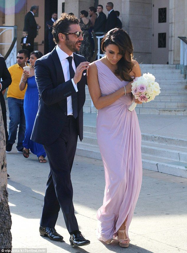 2f87947d68 Bridesmaid Eva Longoria looks stunning in a purple Grecian gown  dailymail