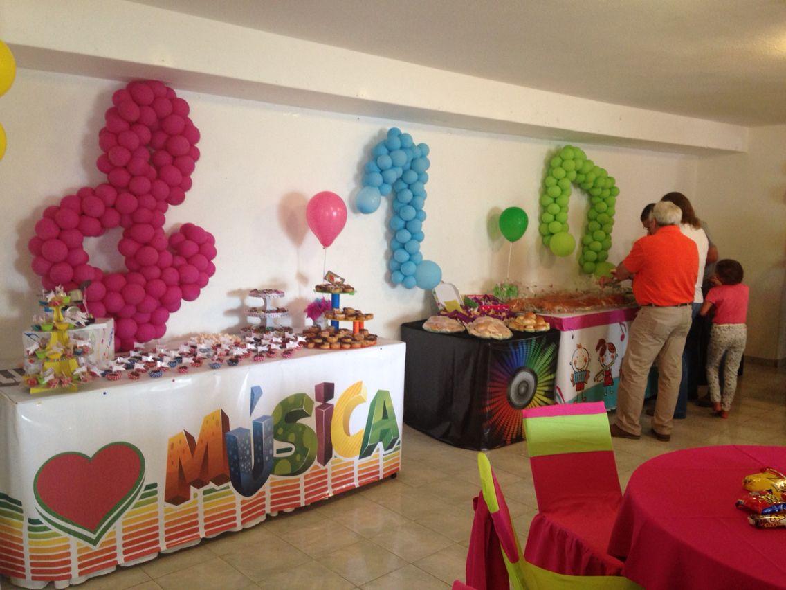 Fiesta infantil decoraci n musical mesa de dulces notas for Mesas fiestas infantiles
