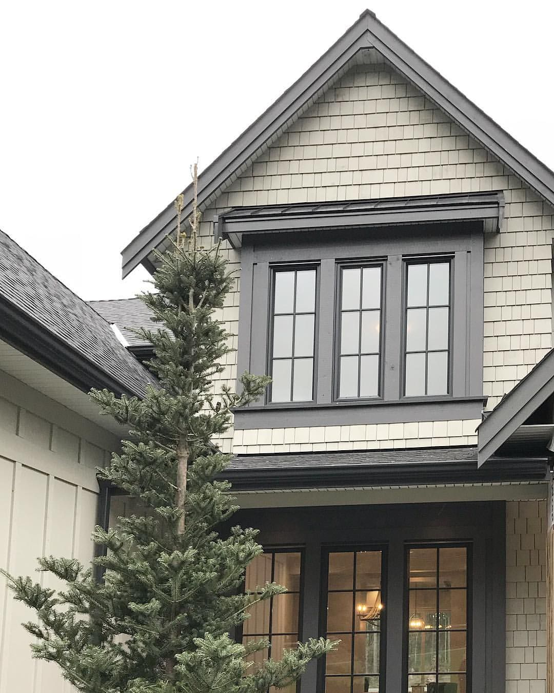 Different Exterior Home Styles: Pin By Brooke Morten Chamberlain On Front Of The House