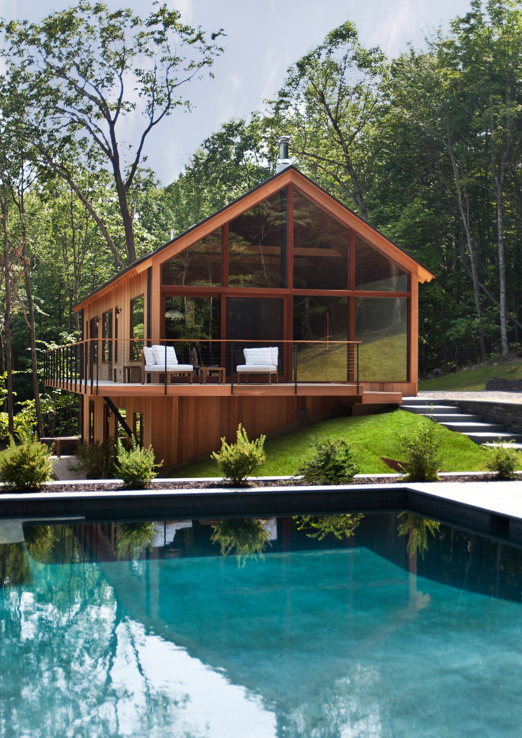 Lang Architecture builds modern holiday homes in New York