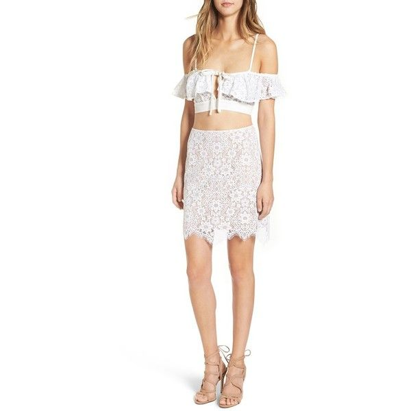 Women's For Love & Lemons 'Rosemary' Crop Top (535 BRL) ❤ liked on Polyvore featuring tops, ivory, floral crop top, floral tops, lace wrap top, ivory crop top and lace top