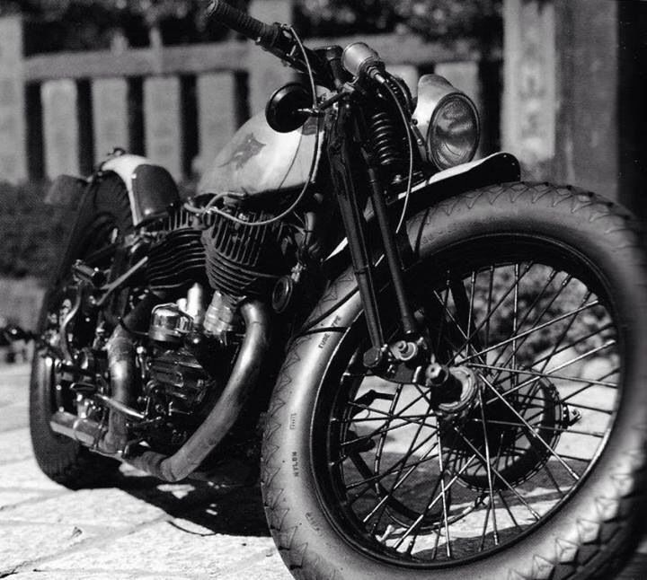 Old Motorcycles I Want This With Images Motorbikes Bobber