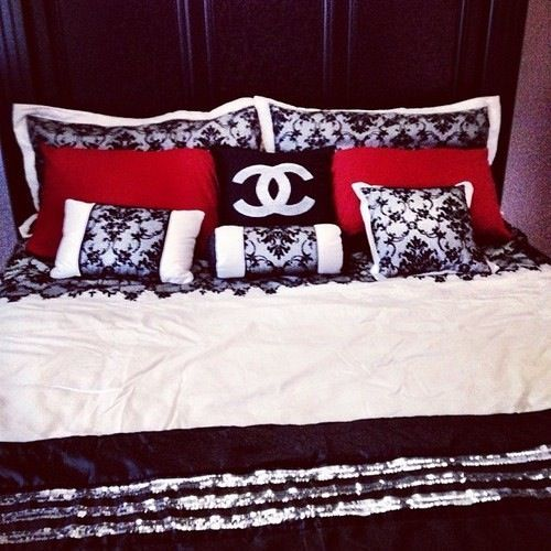 Chanel bedroom | definitely something I'll try later on
