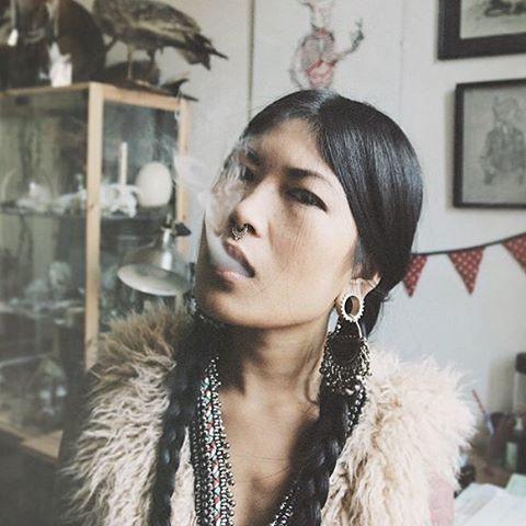 Rauchzeichen wie bei Indianern- Love this photo of @anhwisle #reblog #mood #oldschool