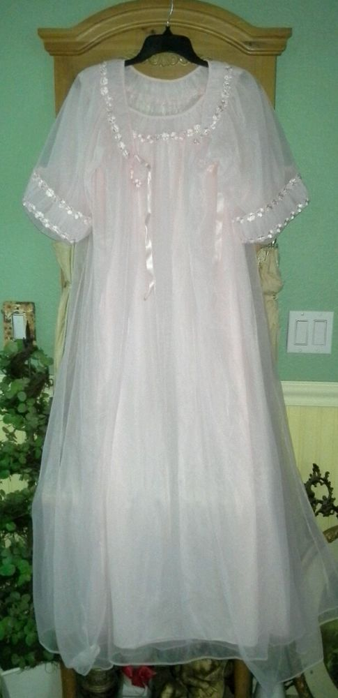 8f1d2929ee VTG PINK Frilly TOSCA Sheer Chiffon Peignoir Robe Nightgown Negligee Gown  Set S  ToscaOfCalifornia