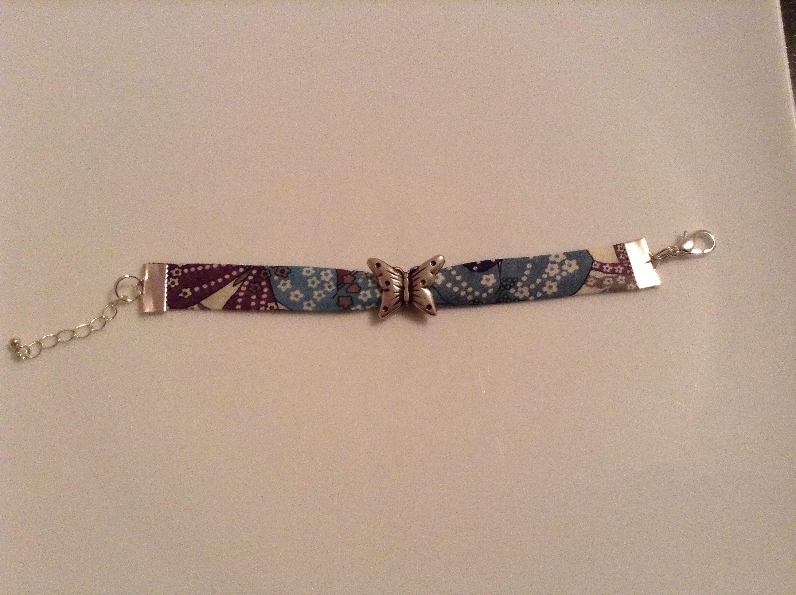 bracelet liberty mauvey violet avec passant papillon