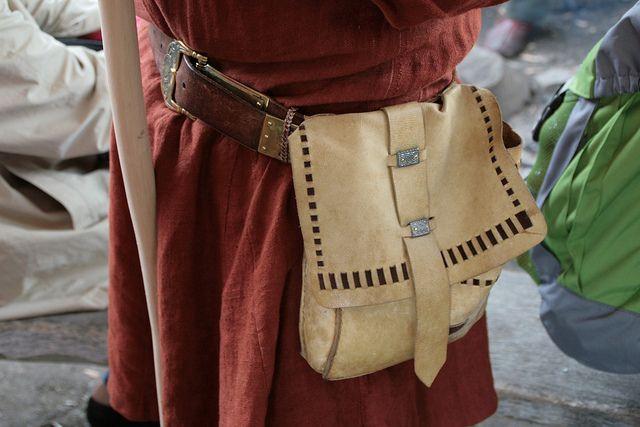 Haithabu - leather pouch like found at Birka