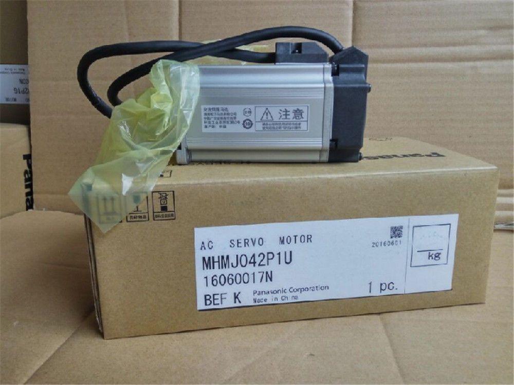 One PC New Panasonic MHMD042P1U AC Servo Motor In Box