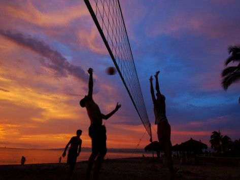 Volleyball On Playa De Los Muertos At Sunset Mexico Photographic Print Anthony Plummer Allposters Com In 2020 Volleyball Wallpaper Volleyball Pictures Volleyball Backgrounds