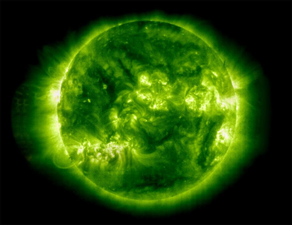 The Actual Color Of Sun Is Green Advantages Of Solar Energy