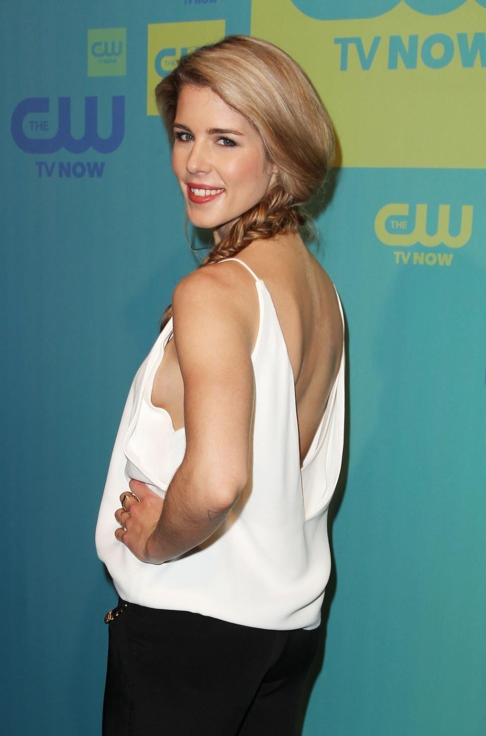 Amanda Tapping Boobs pinpaul smith on actresses | emily bett rickards bikini