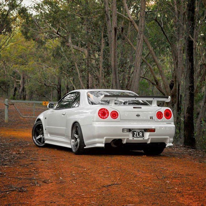 White #R34 Nissan skyline | HorsEPoweR | Pinterest | Nissan skyline ...