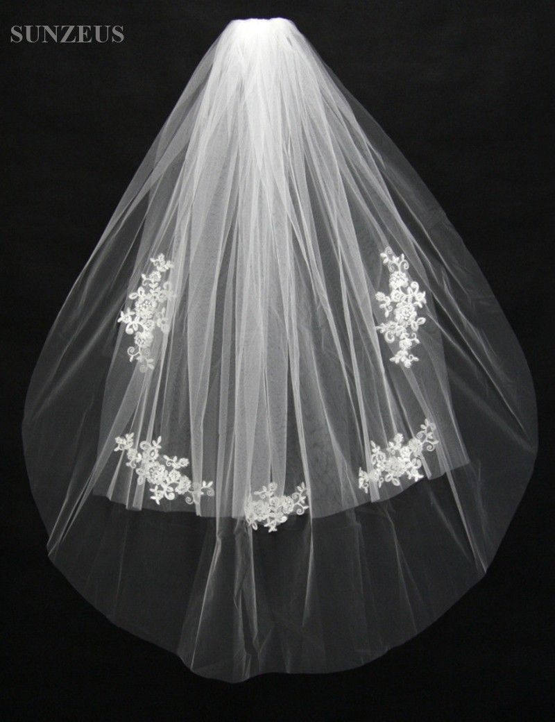 Two Layers Short Bridal Veil With Lace Appliques Cute Cheap Wedding Comb Velos